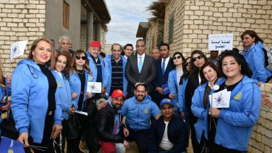 "Photo of محافظ الفيوم يُسلم 30 منزلاً ومشروعات صغيرة بقرية ""الريان"" بتكلفة 3,5 مليون جنية"