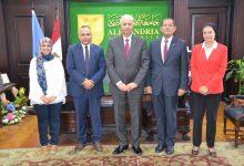 Photo of رئيس أكاديمية البحث العلمي ورئيس جامعة الإسكندرية يوقعا عقد اتفاق إنشاء لجنه قومية للتنمية المستدامة